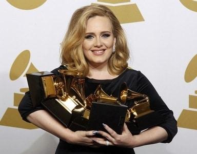 adele - Adele trionfa ai Grammy Awards 2012