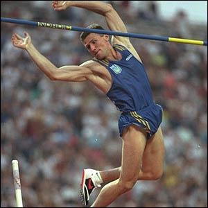 FOTO RUB190 - Sergej Bubka l'atleta che gareggiava contro se stesso