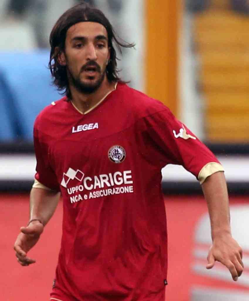 Piermario Morosini Pescara Livorno 6 849x1024 - Piermario Morosini il campione che pareggiò il goal di Messi