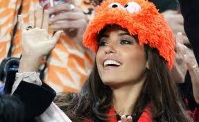 cabau - Euro2012: le wags, la miss e la maga dei pronostici....