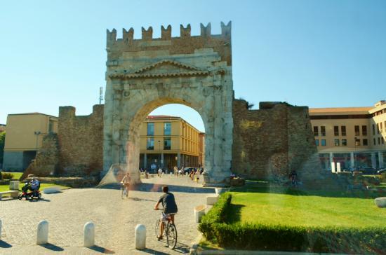 Rimini arco d augusto - Rimini, una vacanza culturale
