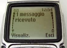 SMS - In Italia gli sms più cari d'Europa: ma chi li usa più?
