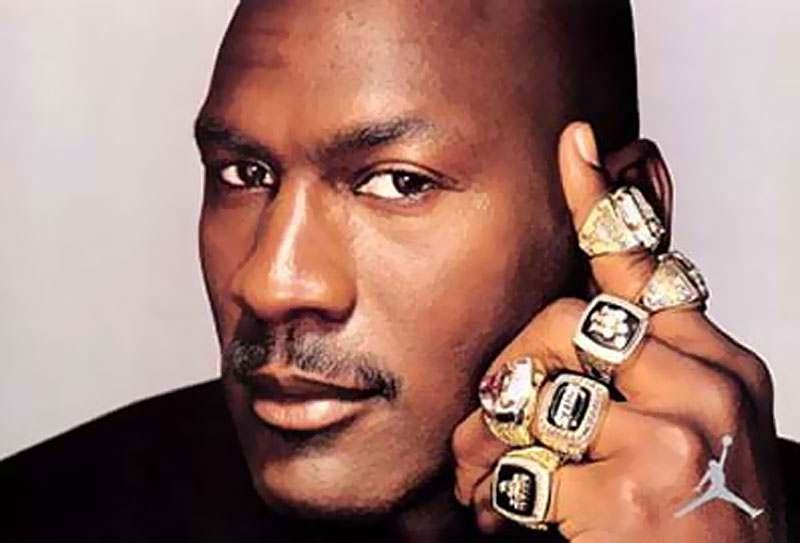 """Michael Jordan Championship Rings - Michael """"Air"""" Jordan l'alieno del basket"""