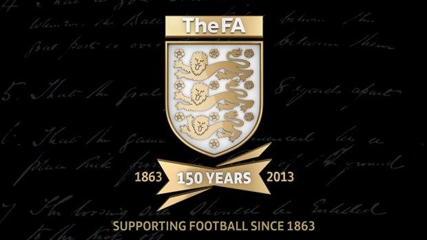fa150 crest 620.ashx - La tube di Londra celebra i 150 anni della FA