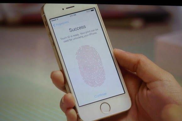 iphone 5s touch id - I migliori smartphone del 2013 - Prezzi e Caratteristiche tecniche