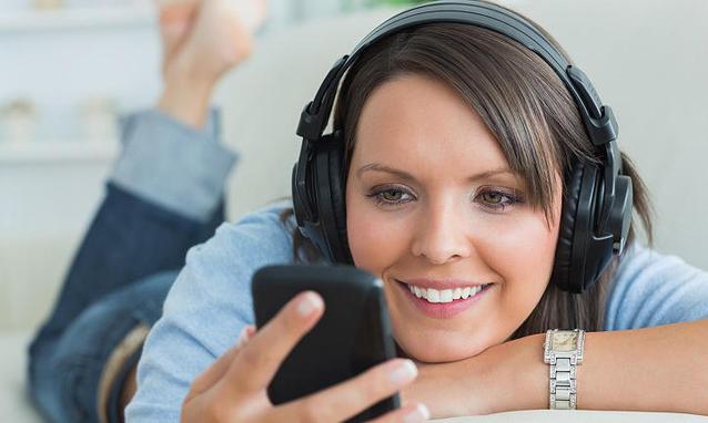 musica dallo smartphone h partb - L'evoluzione della musica e i sistemi audio Wi-Fi e Bluetooth