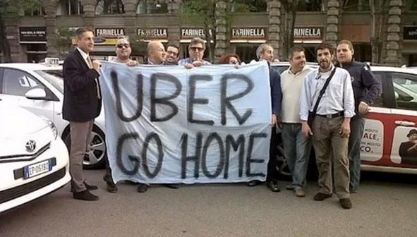 1.protesta taxi - L'applicazione Uber scatena l'opposizione dei tassisti