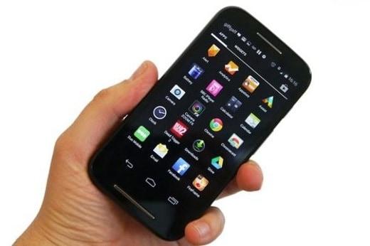 1 Motorola Moto E - I migliori smartphone a 100 euro - Pro e contro