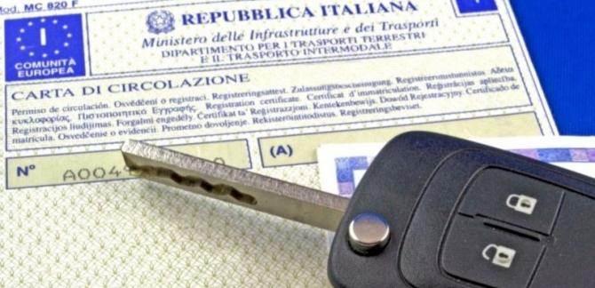 libretto circolazione e patente - Dal 3 novembre stesso intestatario per patente e carta di circolazione