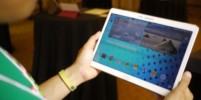 galaxy tab s 10 hand - Come eseguire e salvare lo screenshot (schermata) su Galaxy Tab S 10.5