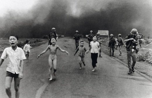 bimba napalam - Ecco cosa fa oggi la bambina del Napalm simbolo della guerra del Vietnam