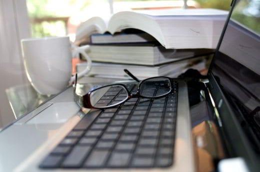 Come comprare libri scolastici online - Come comprare libri scolastici online e risparmiare