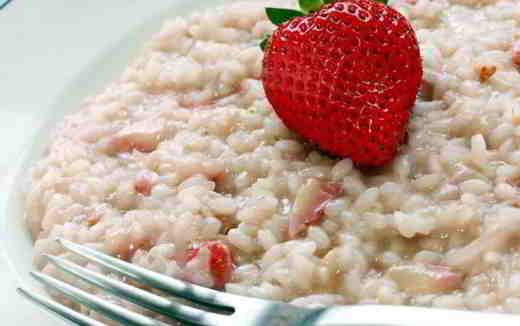 piatto di riso e fragole 1 - Delizia di riso e fragole