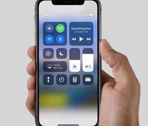 come accendere torcia iphone