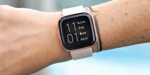 fitbit versa 2 - I migliori smartwatch 2020: quale comprare