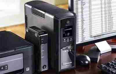 miglor gruppo di continuita UPS featured - Miglior gruppo di continuità per PC (UPS) 2020: guida all'acquisto