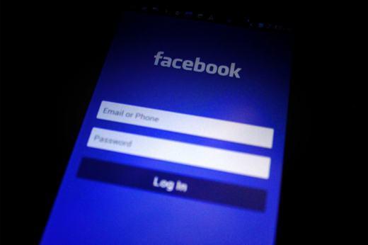 come uscire da facebook da cellulare
