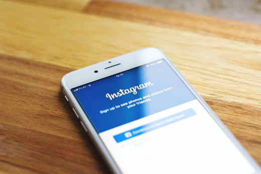 come cambiare email su instagram