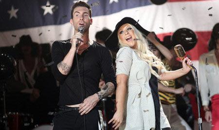 "maroon - Maroon 5 feat Christina Aguilera ""Moves like Jagger"""