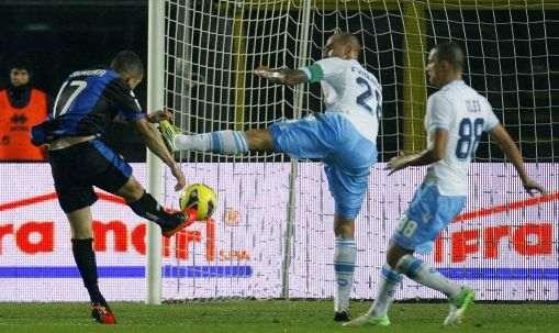 Il destro al volo di Carmona: Napoli ko