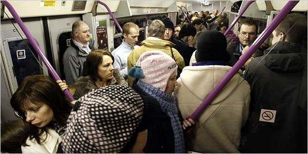 folla metro - La metro a Roma - Parte Prima
