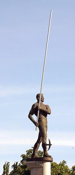 La statua di Bubka