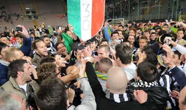 festa scudetto - Serie A 2011-2012: Il commento alla 37esima giornata
