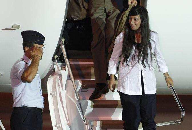 Rossella Urru libera atterra a Ciampino