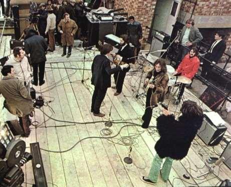 Polizia blocca esibizione live dei Beatles sui tetti