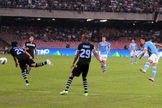 La prima perla di Cavani contro la Lazio