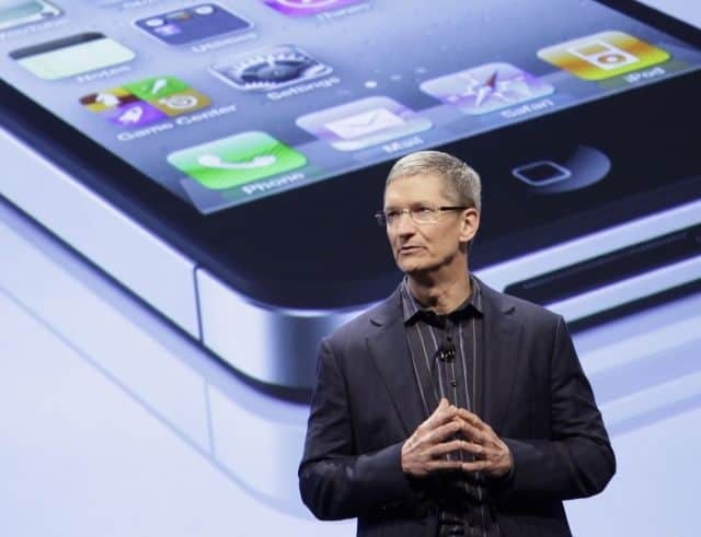 Tim Cook presenta iPhone5