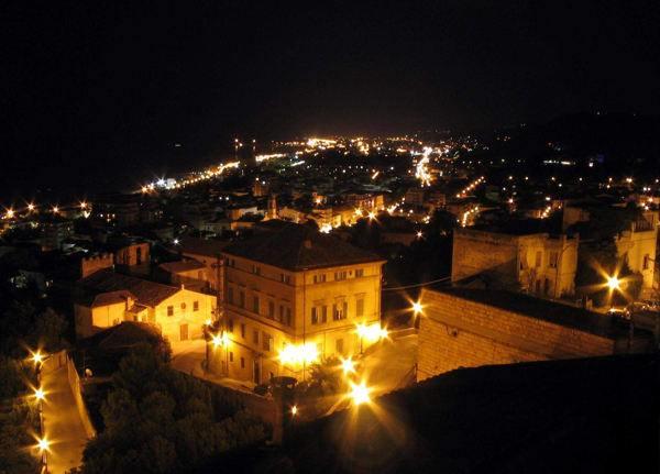 San Benedetto del Tronto di notte
