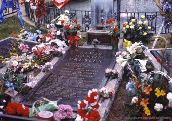 La tomba di Elvis Presley