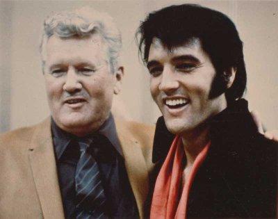 Vernon Presley ed Elvis Presley