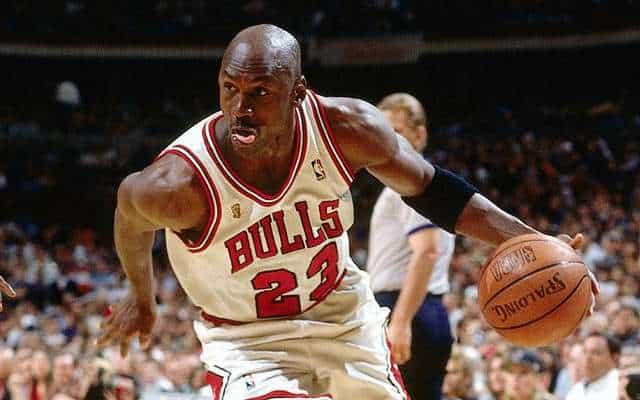 Michael Jordan si ritira