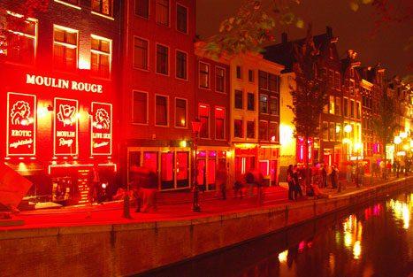 Le vetrine a luci rosse di Amsterdam
