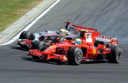 Hamilton sorpassa Massa