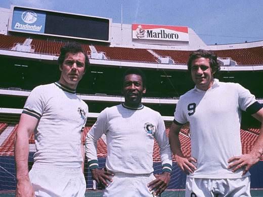 Chinaglia al Cosmos con Pelè e Beckenbauer