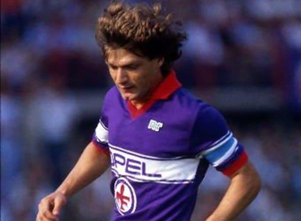 Il capitano della Fiorentina Giancarlo Antognoni
