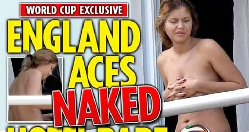 Donna nuda nell'albergo degli inglesi