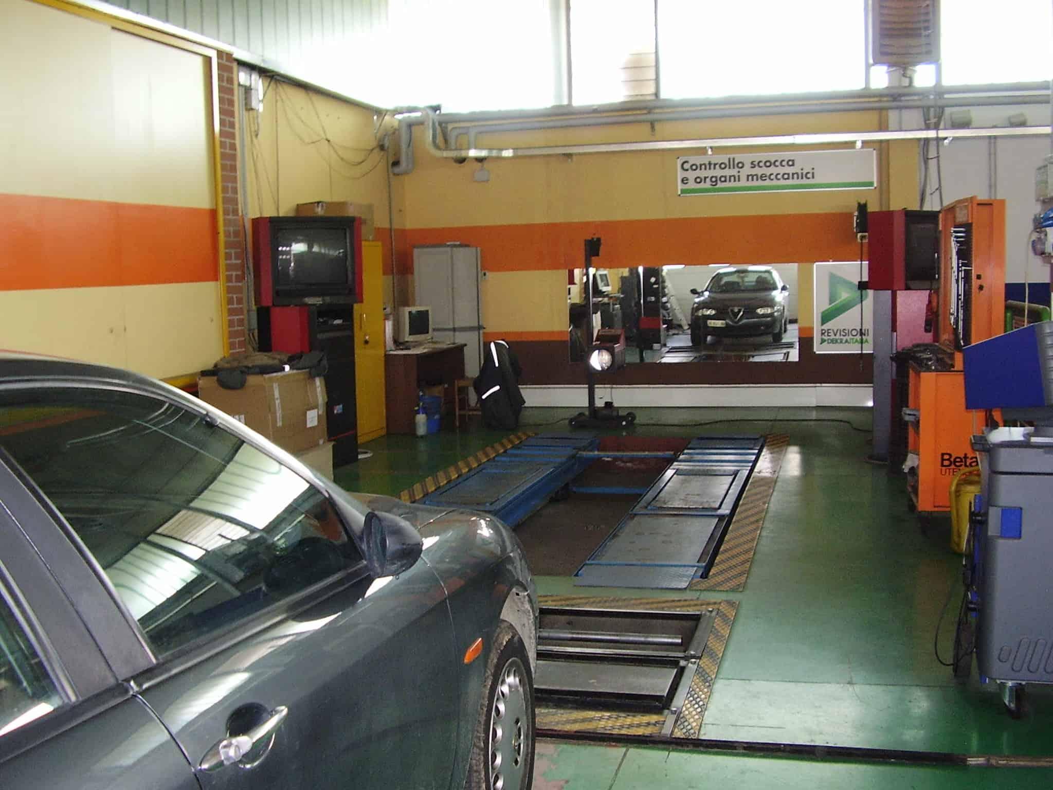 Revisione auto presso officine autorizzate