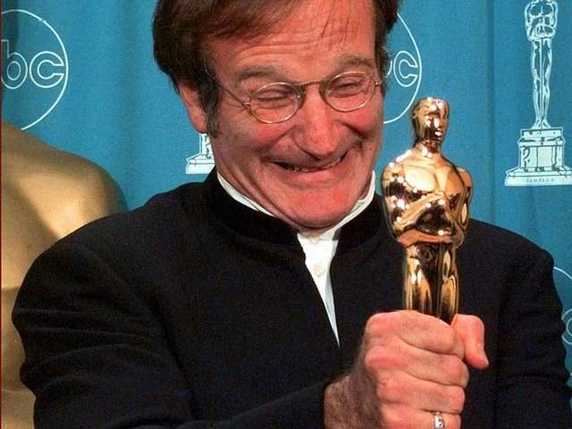 Robin Williams vince l'Oscar nel 1998