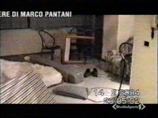 Stanza di Pantani in disordine