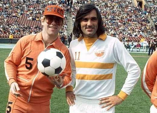 George Best con Elton John