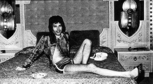 Freddie Mercury droga sesso - Freddie Mercury: i vizi, la lunga malattia e il mistero della morte