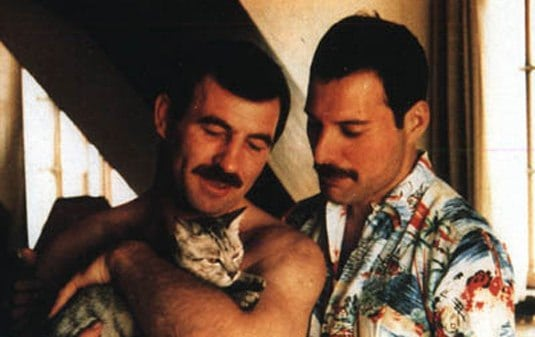 Jim Hutton e Freddie Mercury