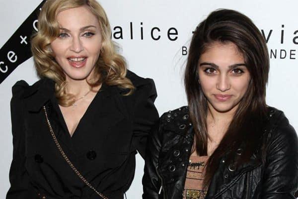 Madonna e Lordes Maria