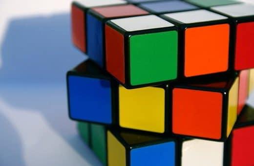 Risolvono il cubo di Rubik in 1 secondo