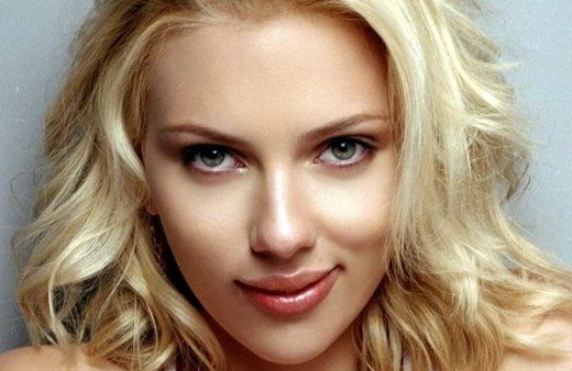 Robot uguale a Scarlett Johansson
