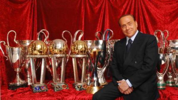 Berlusconi lascia il Milan